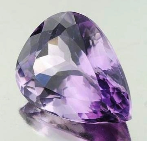 Amethyst pear 27.57 ct