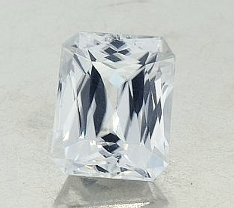 Zircon Octagon colorless 9.71 ct