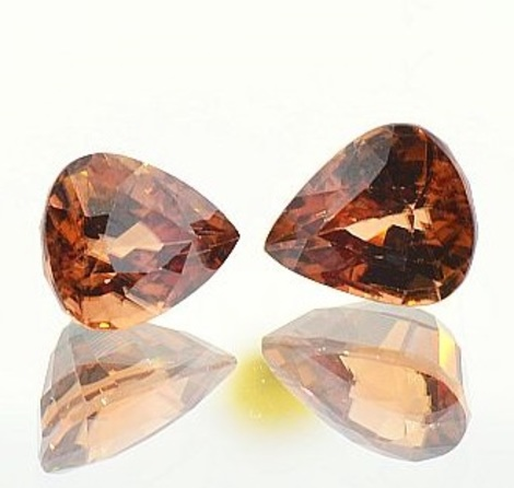 Zircon Pair pear 7.98 ct