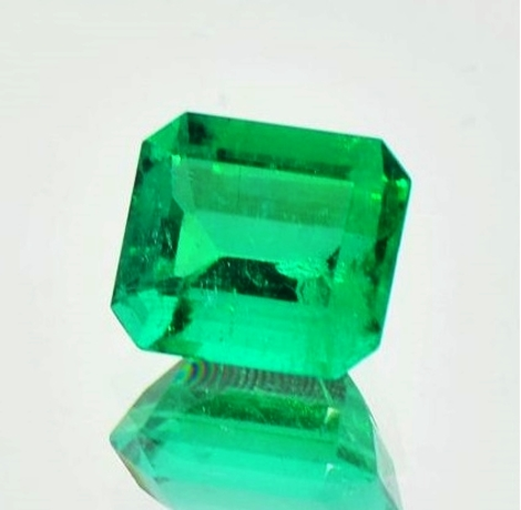 Emerald octagon 3.56 ct