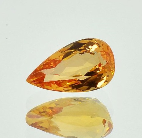 Imperial Topaz pear 3.93 ct