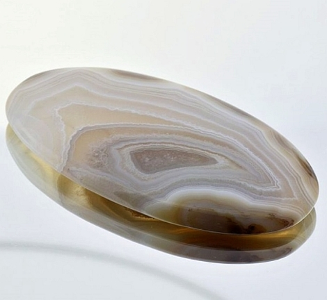 Agate oval 87.72 ct