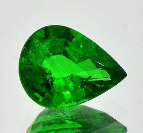 Tsavorite pear 5.95 ct