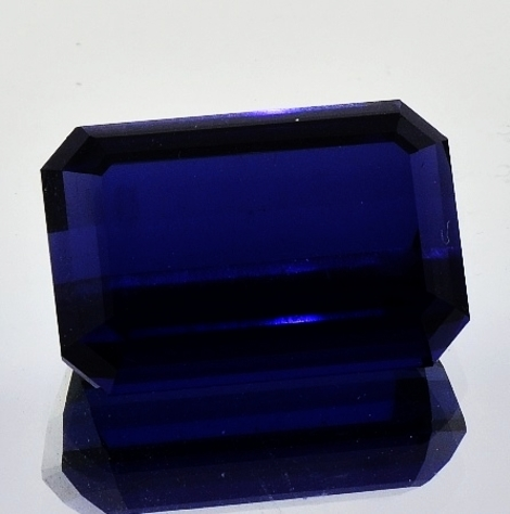 Iolite octagon 20.01 ct