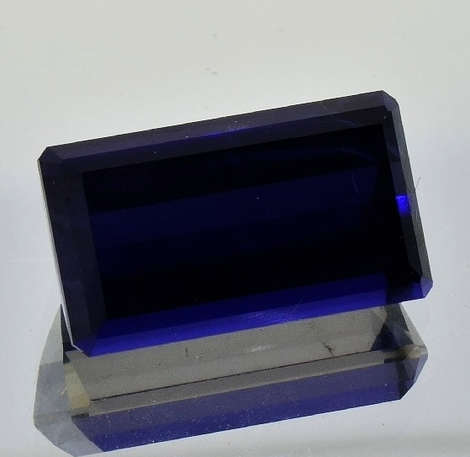 Iolite rectangle 15.00 ct