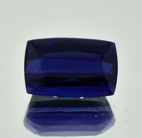 Iolite cushion 11.90 ct