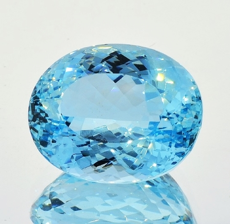 Aquamarin Oval 20,46 ct