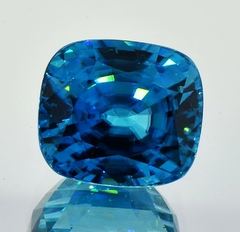 Zircon cushion blue 21.69 ct