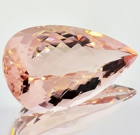 Morganite pear-checkerboard 67.86 ct