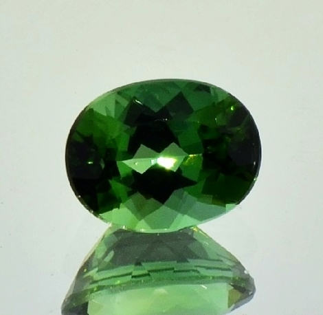 Green Tourmaline oval 2.22 ct