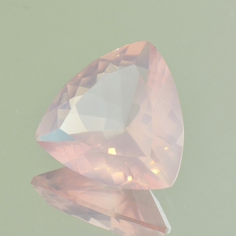 Rose-Quartz Trillion 9.3-10.8 ct