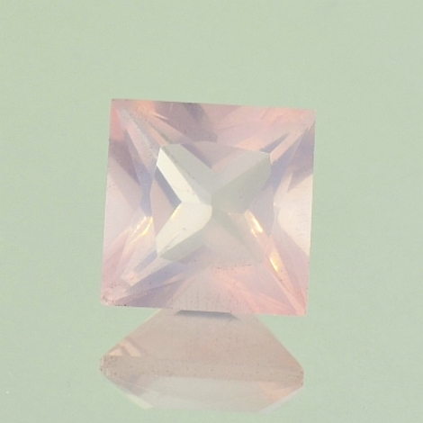 Rose-Quartz princess ca. 3.3 ct.