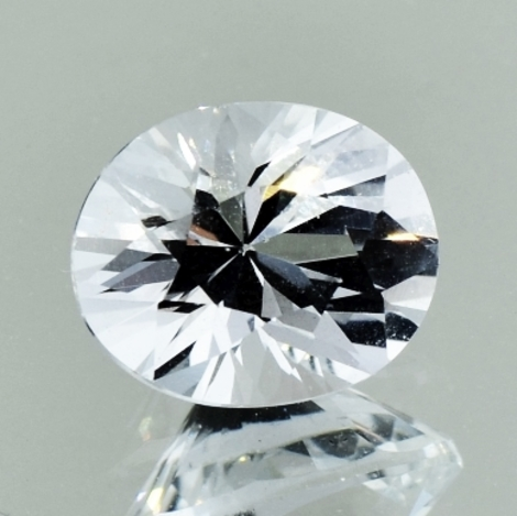 Topaz oval colorless 4.32 ct