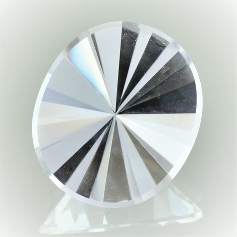 Rock Crystal Oval-Design 22.80 ct
