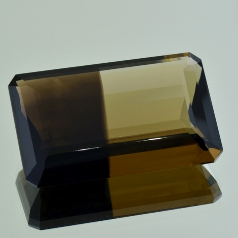 Smoky Quartz octagon bicolor 171.89 ct