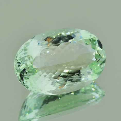 Beryl oval very light green 28.93 ct