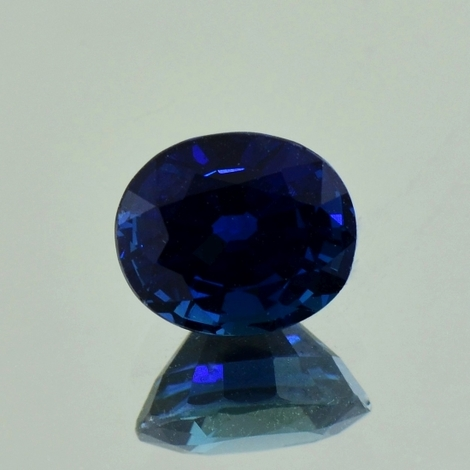 Saphir, Oval facettiert (3,92 ct.) aus Nigeria