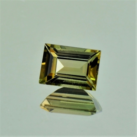 Tourmaline Baguette yellowish green 1.36 ct