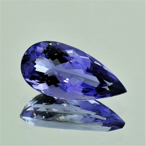 Iolite pear 4.80 ct