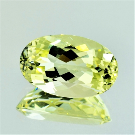 Beryl oval light yellow 11.81 ct