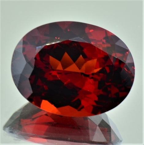 Garnet Spessartite oval 23.73 ct
