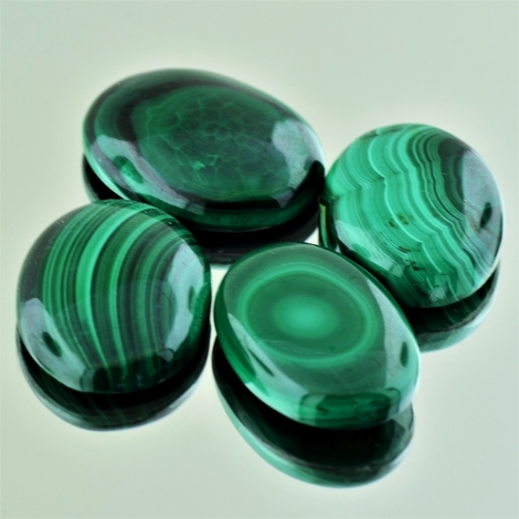 Malachite Lot Cabochons oval 149.58 ct