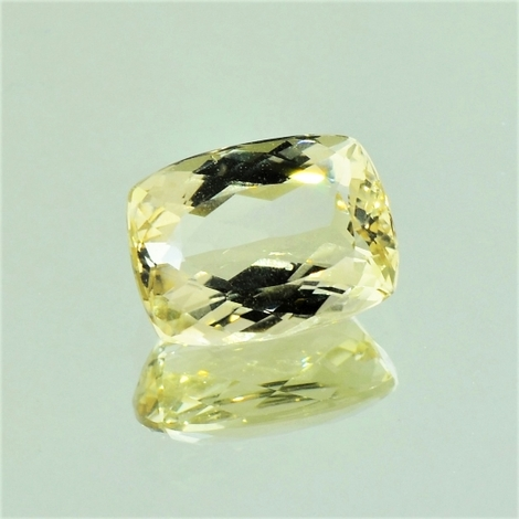 Beryl cushion light yellow 3.37 ct