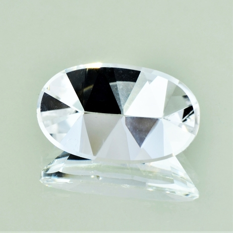 Rock Crystal Oval-Design 14.96 ct