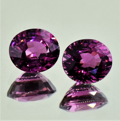 Rhodolite Pair oval purple 6.07 ct