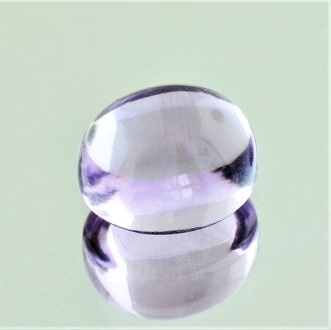 Amethyst Cabochon oval very light lilac 7.5 ct