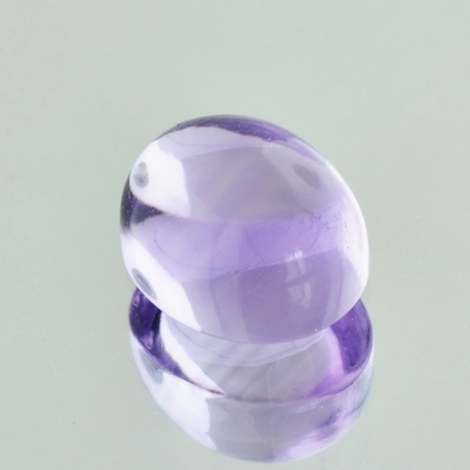 Amethyst Cabochon oval very light lilac 6.8 ct