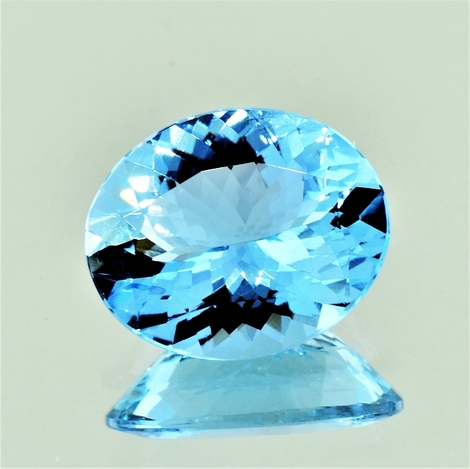 Aquamarin oval hellblau 7,19 ct