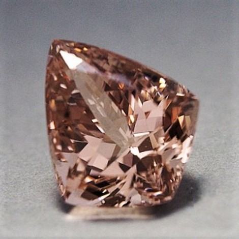 Morganite Drachen light pink 29.45 ct