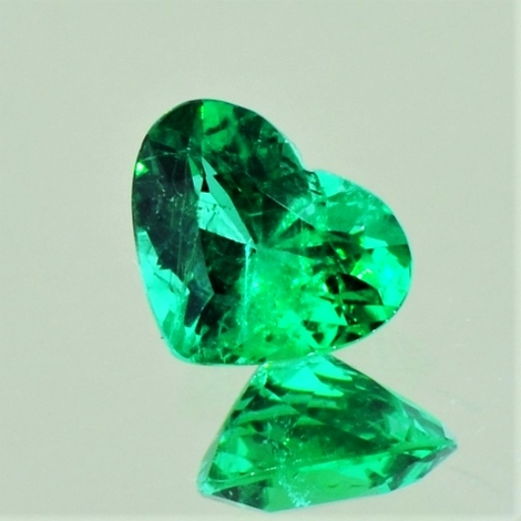 Emerald heart 1.10 ct