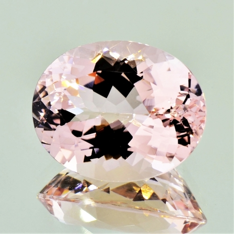 Morganite oval light pink 23.97 ct