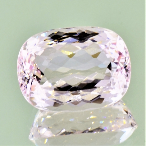 Morganite cushion light pink 31.02 ct