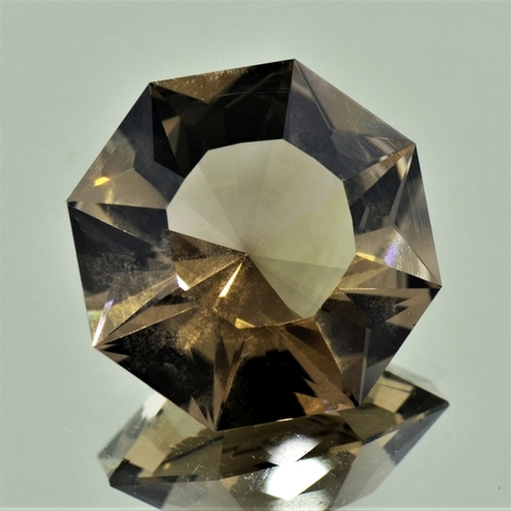 Rauchquarz Octagon-Design 34,25 ct