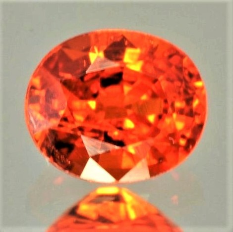 Mandarin-Granat oval orange 14,33 ct