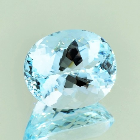 Aquamarin oval ungebrannt 11,61 ct