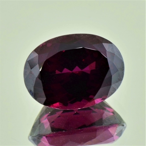 Rhodolith oval dunkles-purpurrot 16,74 ct
