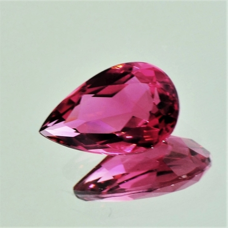 Rubellite Tourmaline pear 3.94 ct