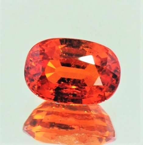 Mandarin-Granat oval rötlich-orange 5,91 ct