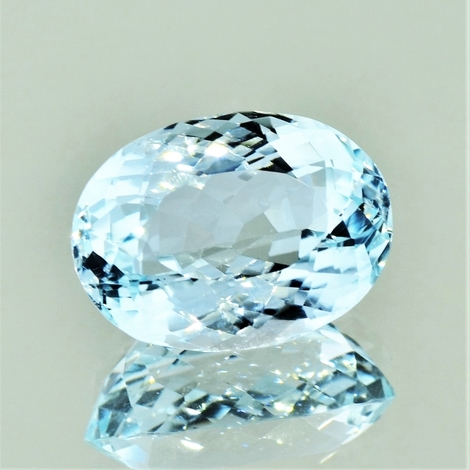Blautopas oval 22,66 ct
