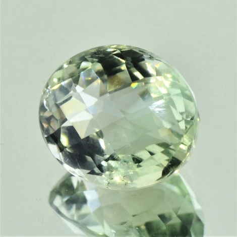 Prasiolith oval-checkerboard very light green 15.31 ct