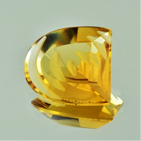 Citrine Fantasy golden yellow 25.50 ct