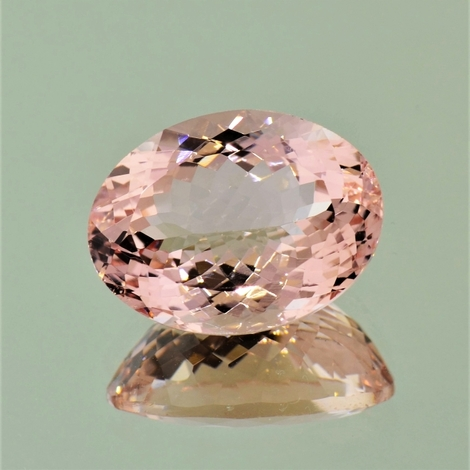 Morganite oval light pink 17.92 ct