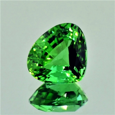Green Tourmaline pear 3.82 ct