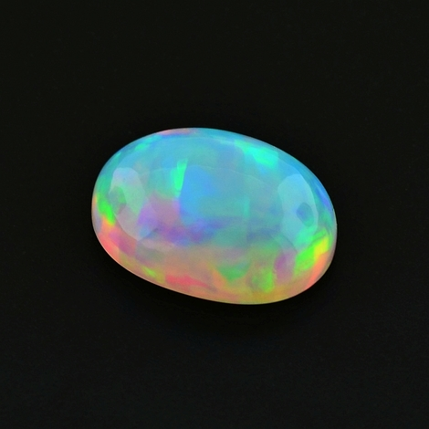 Edelopal Cabochon oval 4,18 ct
