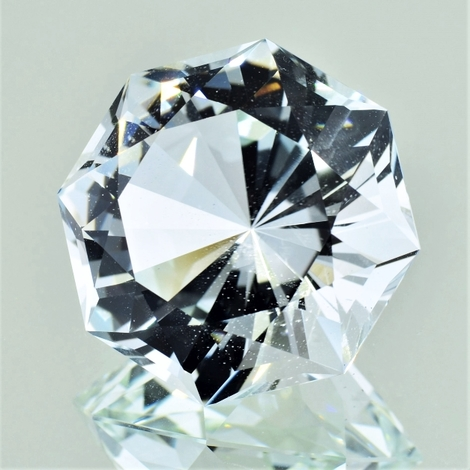Topaz Design-Achteck colorless 52.74 ct