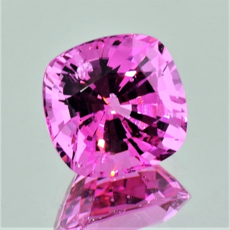 Spinel cushion-square pink 9.86 ct